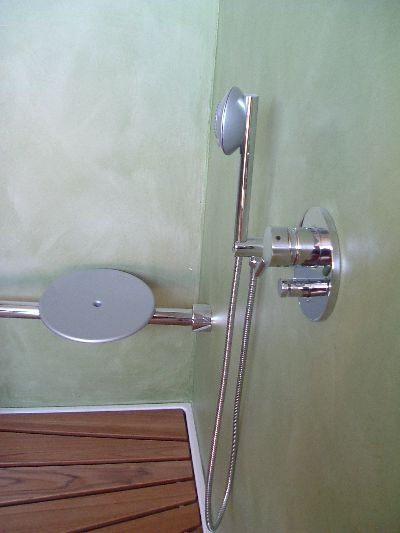 Pavitrend color center di massimo chiodi pavimenti e - Pareti doccia in resina ...