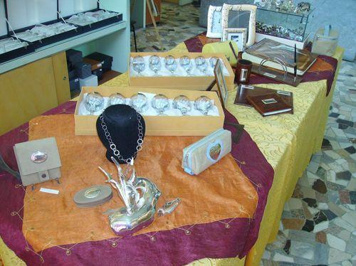 Una panoramica degli oggetti da noi commerciati che for Sito regalo oggetti