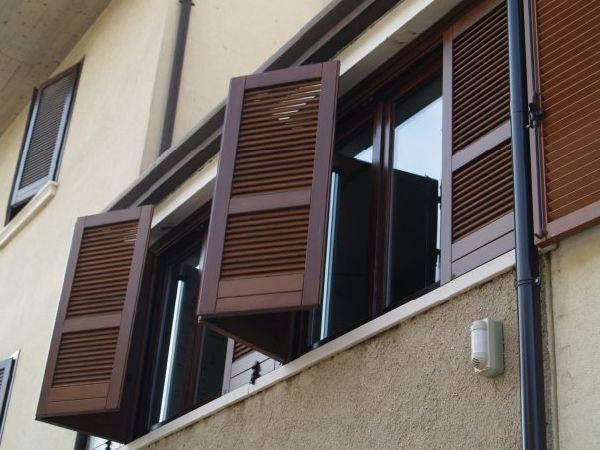 V8 serramenti s a s infissi serramenti e in legno e alluminio infissi e serramenti - Griglie per finestre esterne ...