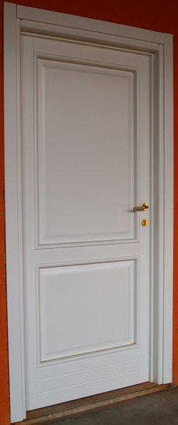 V8 serramenti s a s infissi serramenti e in legno e for Infissi in legno bianco