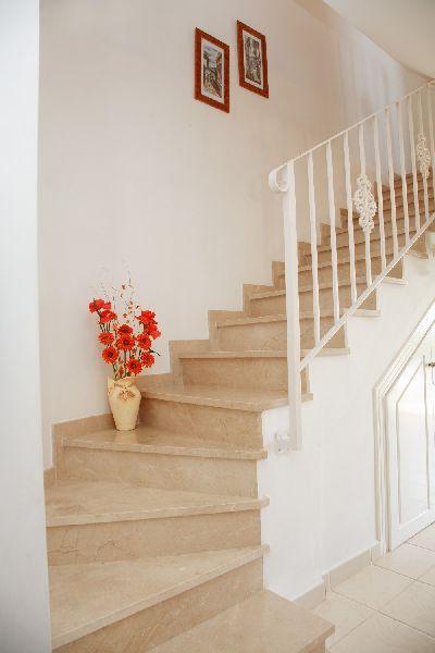 Tracertino classico e travertino noce for Mosaici e marmi per pavimenti e rivestimenti