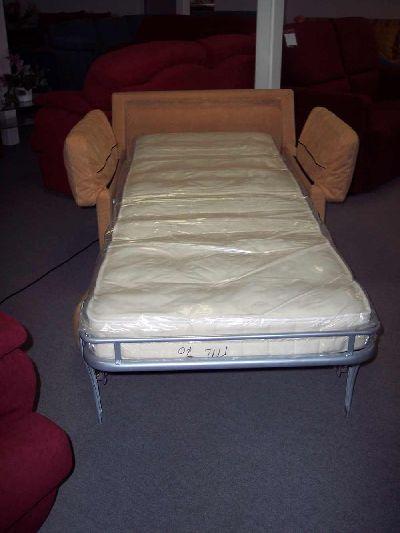Salotti duepi di paolini sergio produzione e ingrosso - Pouf letto divani e divani ...