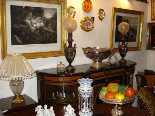 Di giugno snc commercio restauro di mobili antichi antiquariato restauro mobili d 39 epoca - Mobili antichi francesi ...