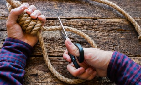 Legge salva suicidi