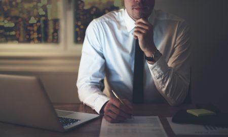 Posizione corretta per stare seduti a lavoro